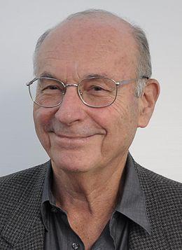 Boris CYRULNIK, Neuropsychiatre et Directeur d'enseignement à l'université de Toulon. Auteur de nombreux ouvrages dont chacun porte un regard bientraitant sur l'enfance (2014-2018)